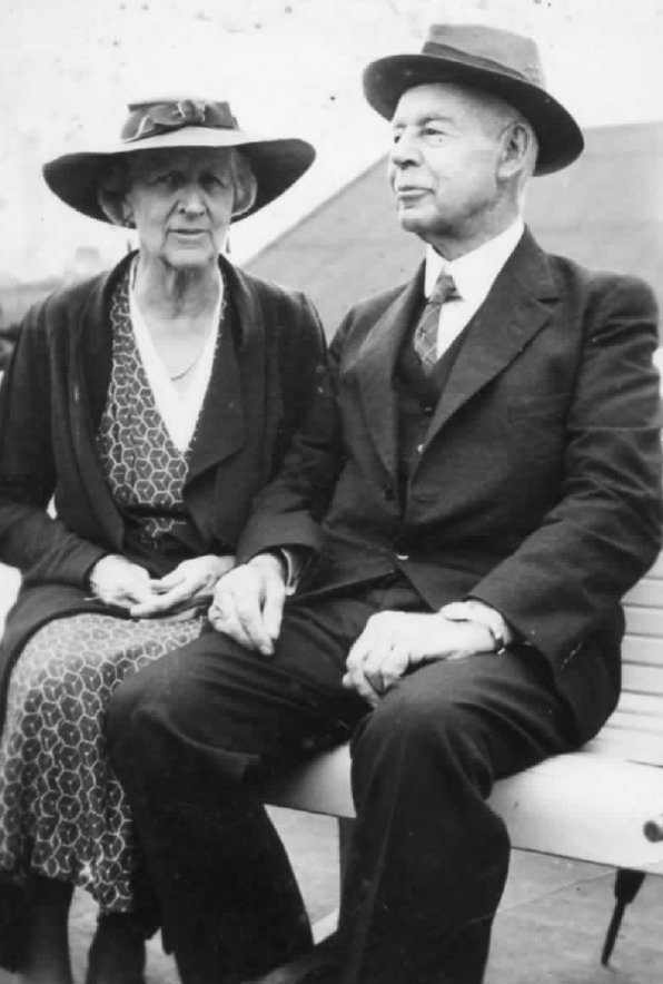 Samuel Dickson Sandes II with his sister Francis - taken at Sydney Harbour 4 November 1937